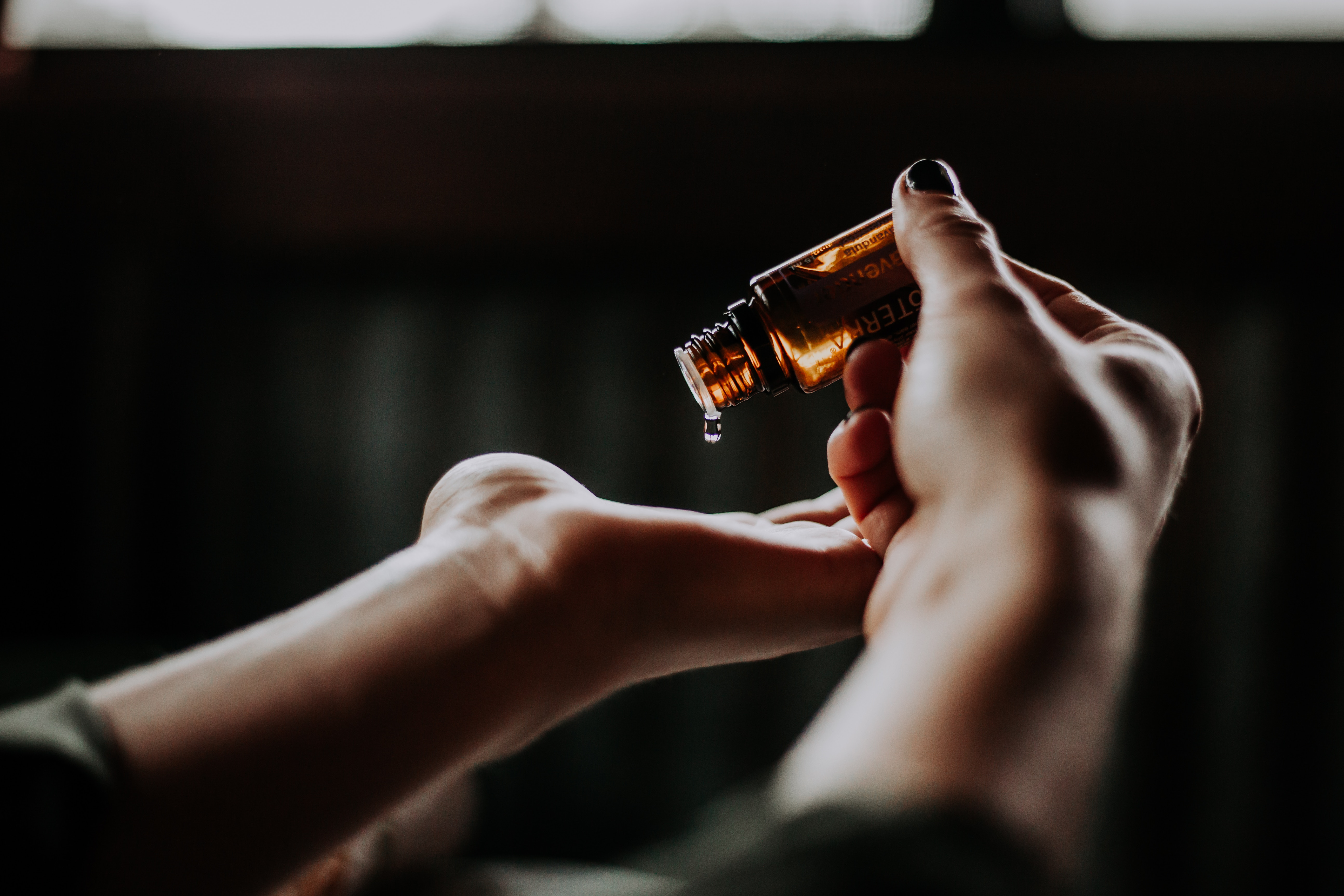 aromatherapy, antibacterial, antifungal, antiseptic, anxiety, tea tree, fungus, depression, diffuse, plant extract, tea tree oil, lavender oil, essential oils, lavender, wounds, sleep, stress